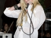 taylor-momsen-perfoms-at-teen-vogue-fashions-night-out-fashion-show-07