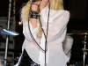 taylor-momsen-perfoms-at-teen-vogue-fashions-night-out-fashion-show-09