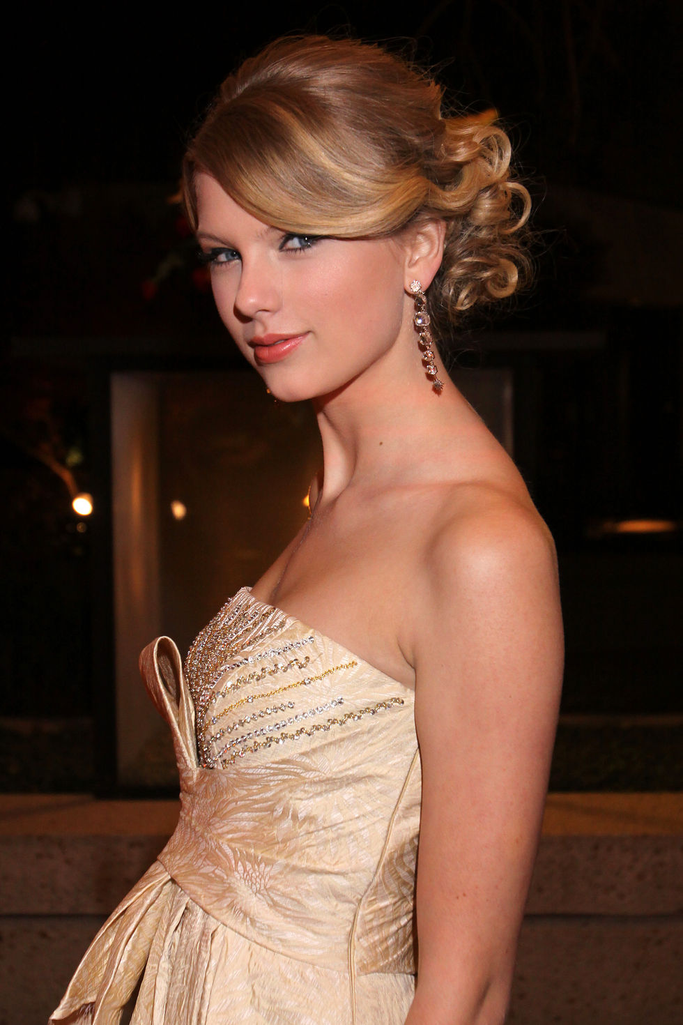 taylor-swift-2008-bmi-country-awards-in-nashville-01