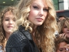 taylor-swift-at-the-gmtv-studios-in-london-14