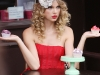 taylor-swift-candids-at-photoshoot-in-london-16