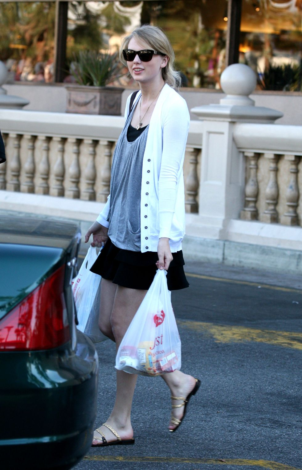 taylor-swift-candids-in-los-angeles-07