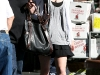 taylor-swift-candids-in-los-angeles-09