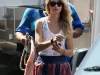 taylor-swift-candids-on-valentines-day-set-in-los-angeles-10