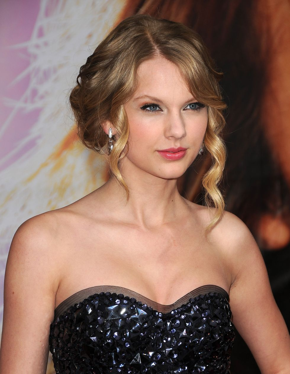 taylor-swift-hannah-montana-the-movie-premiere-in-los-angeles-02