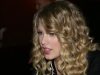 taylor-swift-kiis-fms-jojo-on-the-radio-04