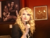 taylor-swift-kiis-fms-jojo-on-the-radio-09