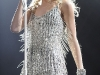 taylor-swift-leggy-at-justin-timberlake-and-friends-concert-02