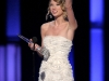 taylor-swift-peoples-choice-awards-2010-in-los-angeles-05