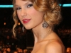 taylor-swift-peoples-choice-awards-2010-in-los-angeles-07