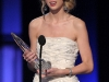 taylor-swift-peoples-choice-awards-2010-in-los-angeles-14
