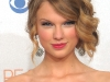 taylor-swift-peoples-choice-awards-2010-in-los-angeles-15