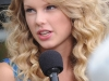 taylor-swift-performs-at-the-17th-annual-country-thunder-usa-music-festival-05