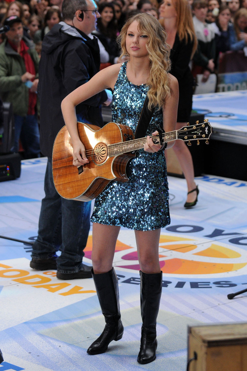 taylor-swift-performs-on-the-nbc-today-in-new-york-01