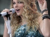 taylor-swift-performs-on-the-nbc-today-in-new-york-11