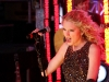 taylor-swift-times-square-for-new-years-eve-celebration-01