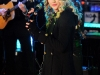 taylor-swift-times-square-for-new-years-eve-celebration-09