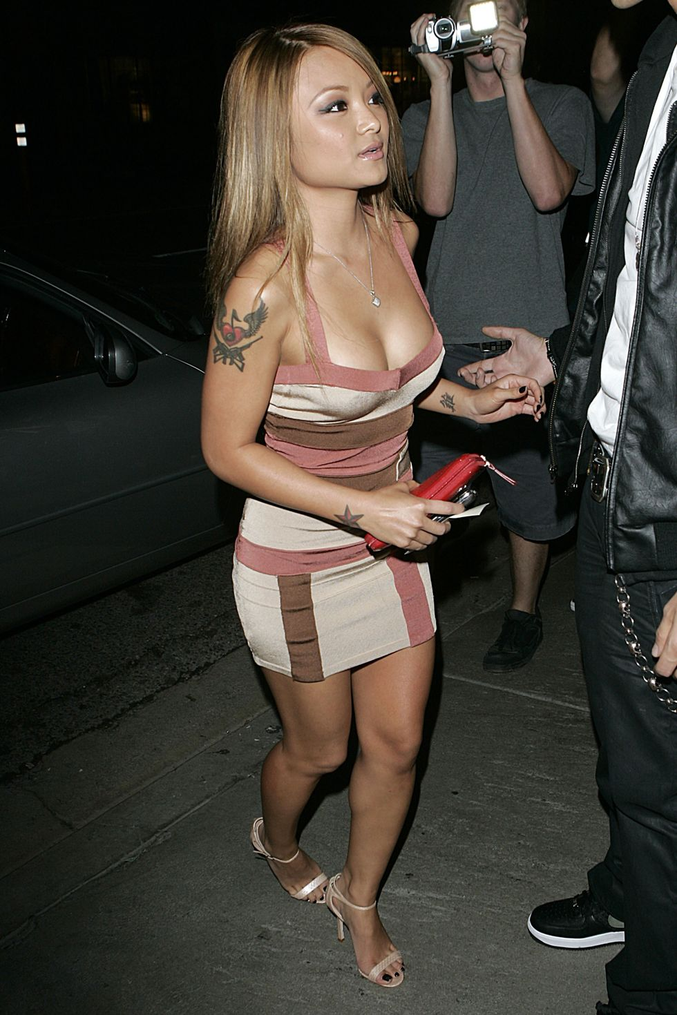 tila-tequila-cleavage-candids-at-coco-deville-nightclub-in-west-hollywood-01