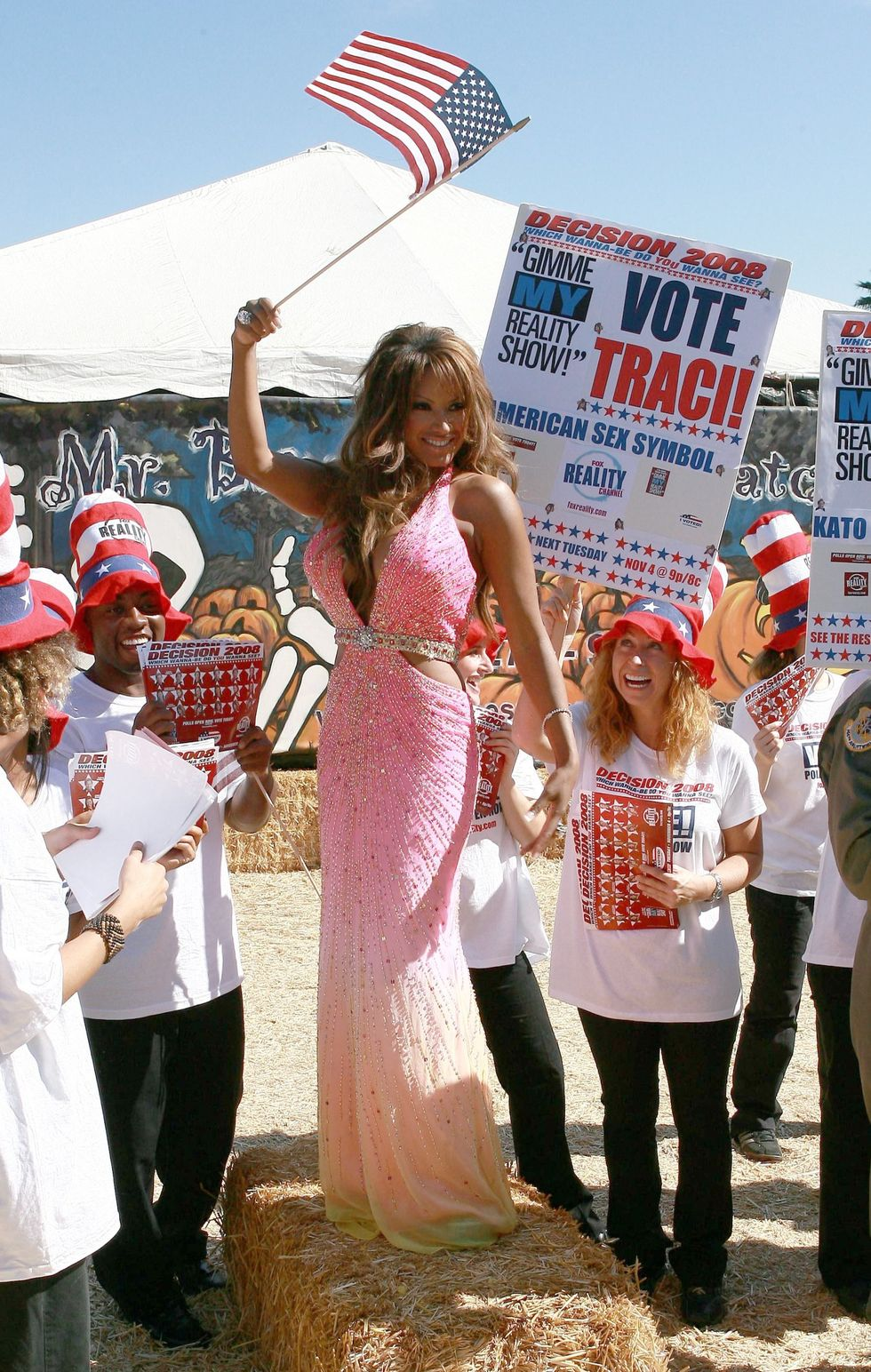 traci-bingham-gimme-my-reality-show-campain-in-los-angeles-01