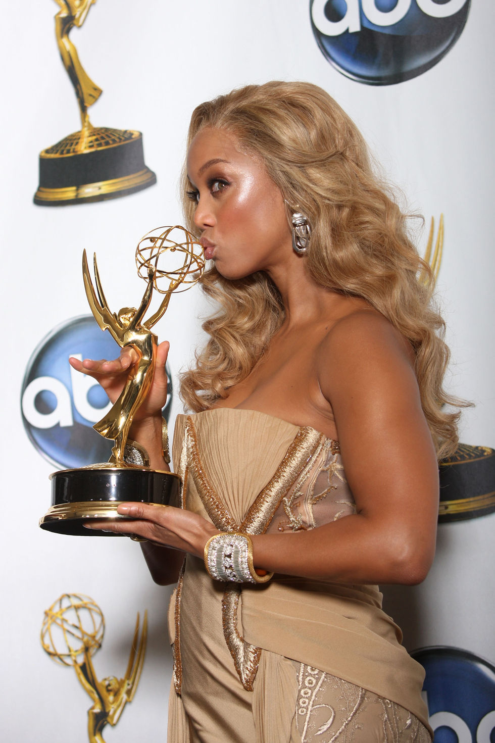 tyra-banks-35th-annual-daytime-emmy-awards-01
