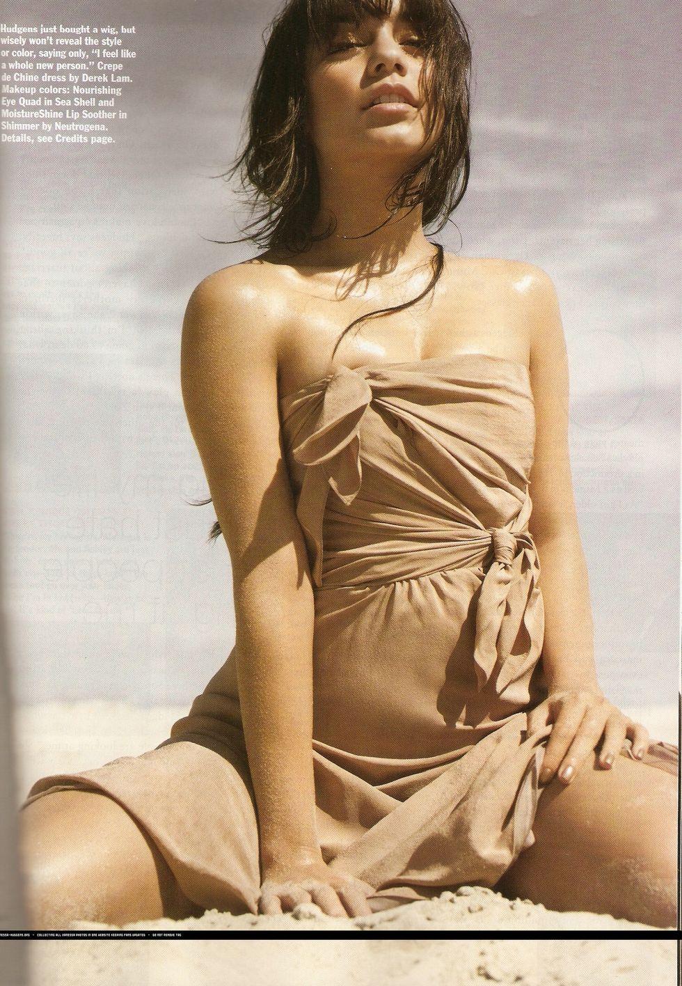 vanessa-hudgens-allure-magazine-october-2009-hq-01