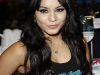 vanessa-hudgens-at-skechers-store-on-universal-city-walk-11
