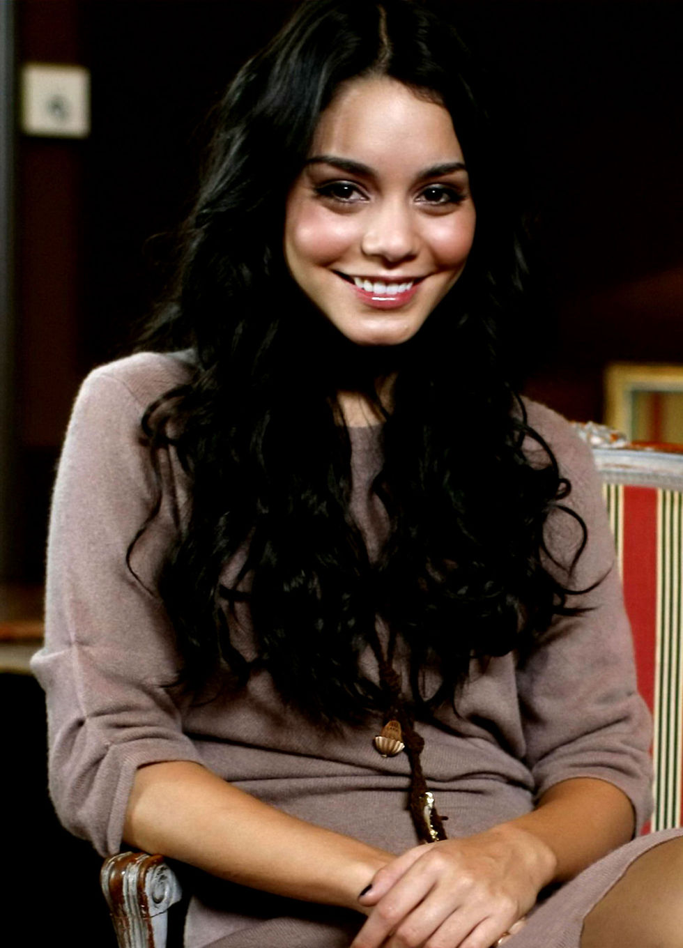 vanessa-hudgens-high-school-musical-3-photocall-in-stockholm-01