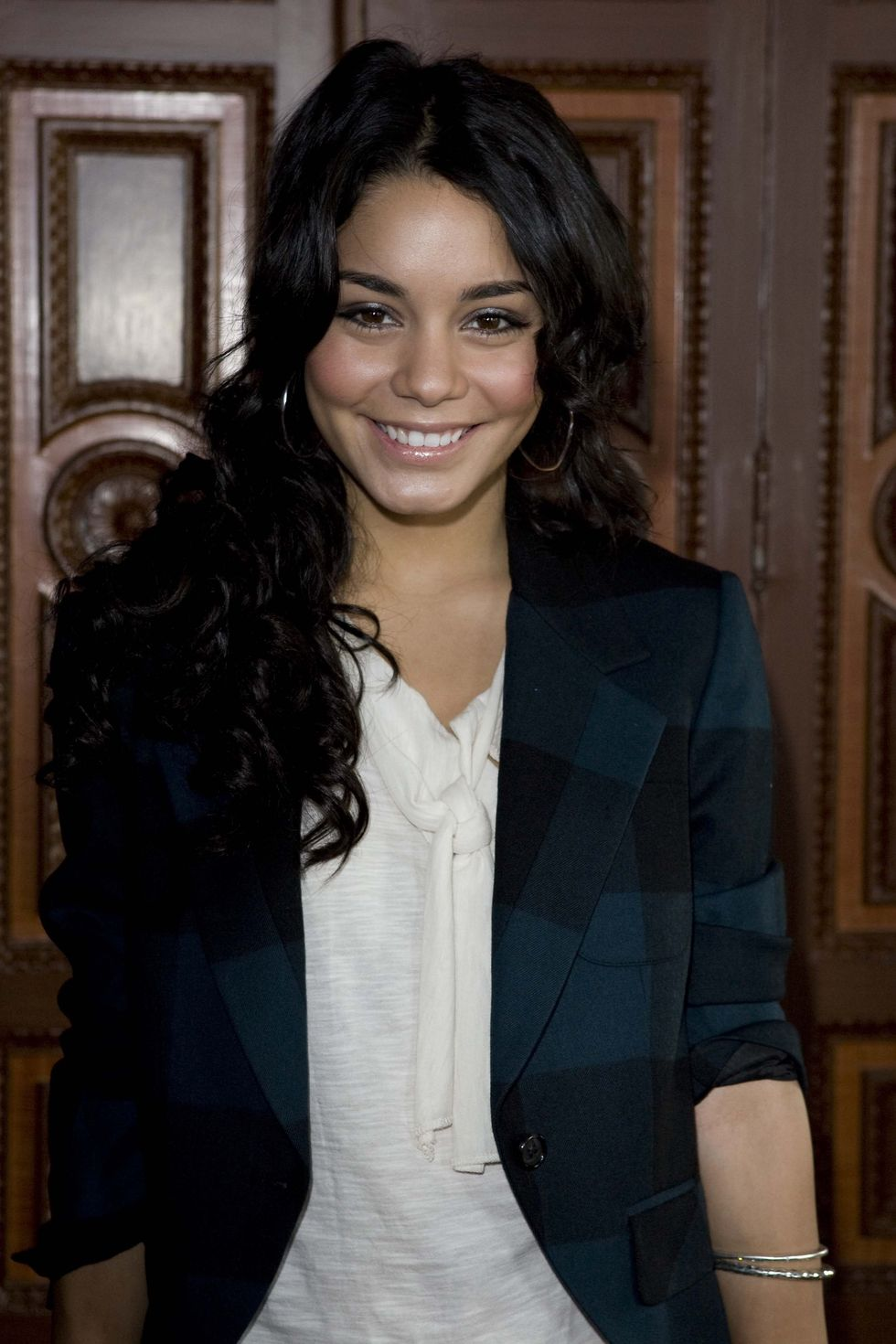 vanessa-hudgens-high-school-musical-3-premiere-in-stockholm-01