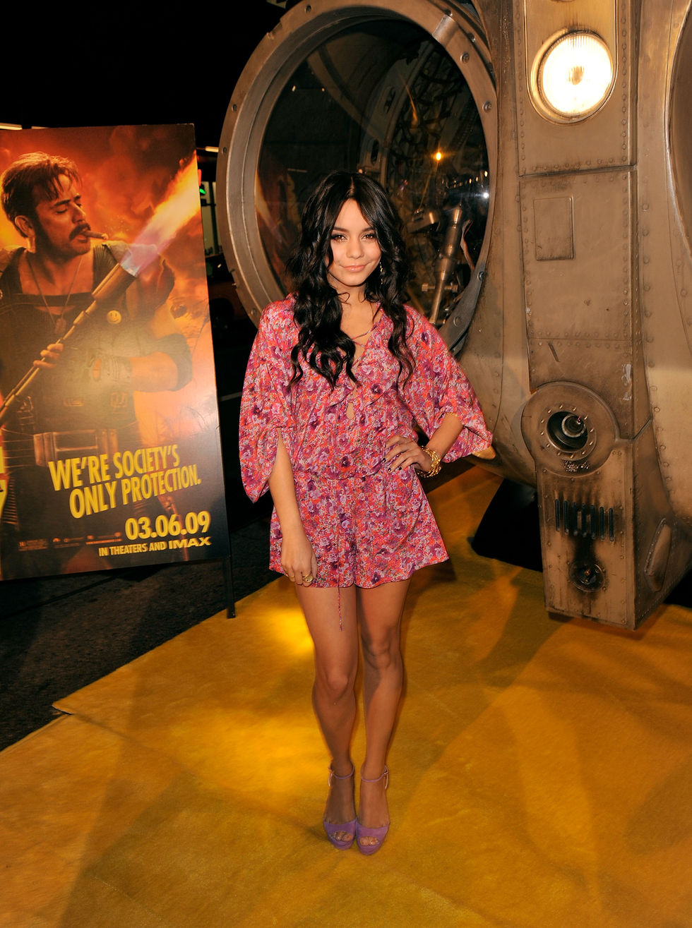 vanessa-hudgens-watchmen-premiere-in-hollywood-01