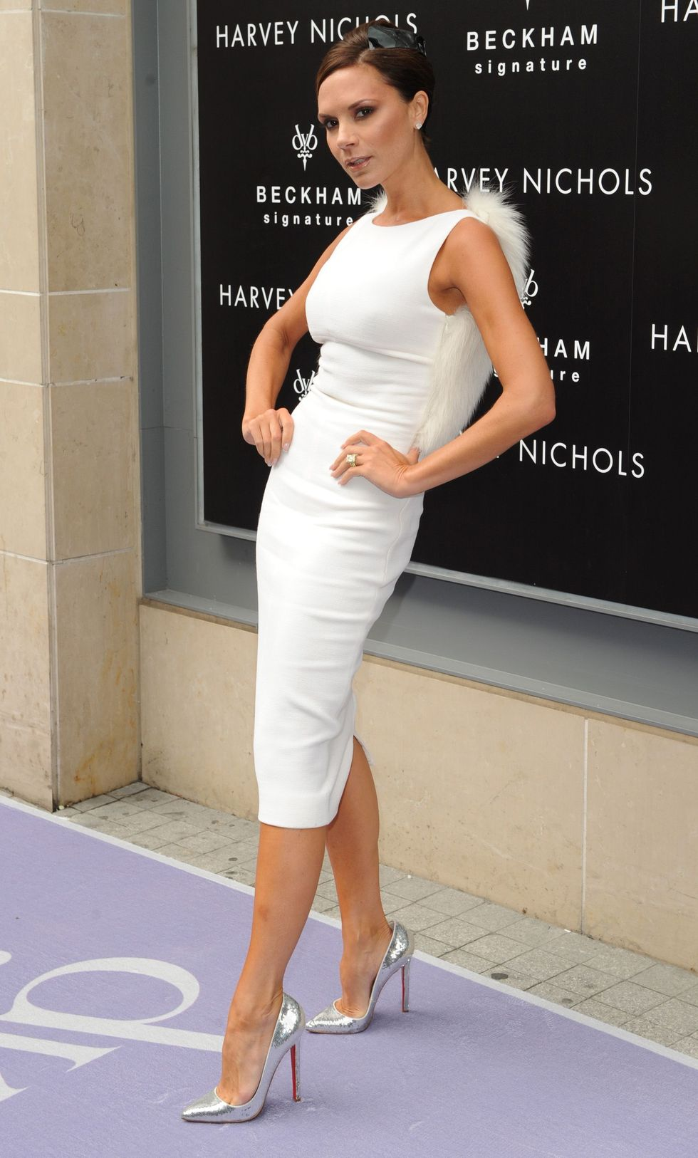 victoria-beckham-signature-perfume-promotion-in-manchester-01