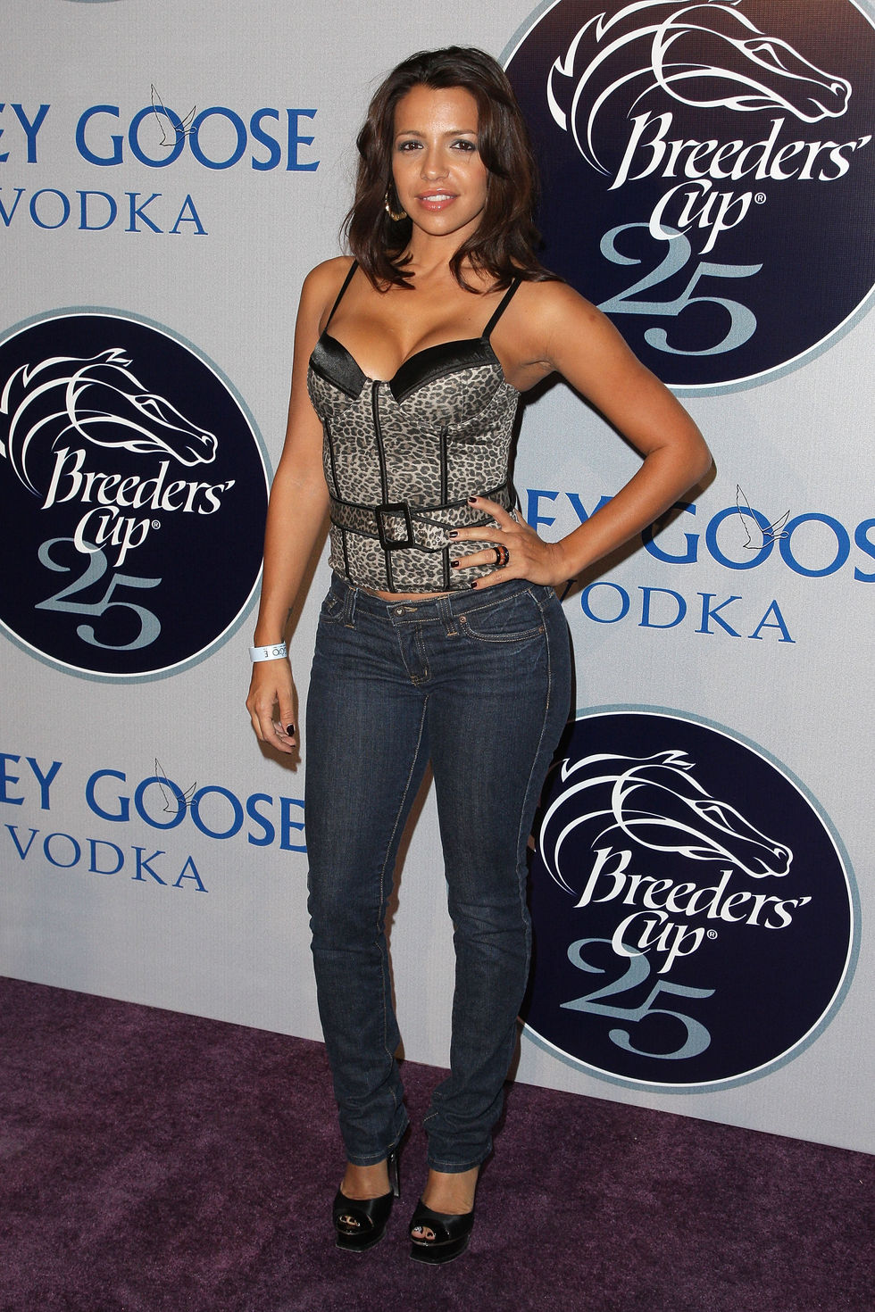 vida-guerra-2008-breeders-cup-winners-circle-in-los-angeles-01