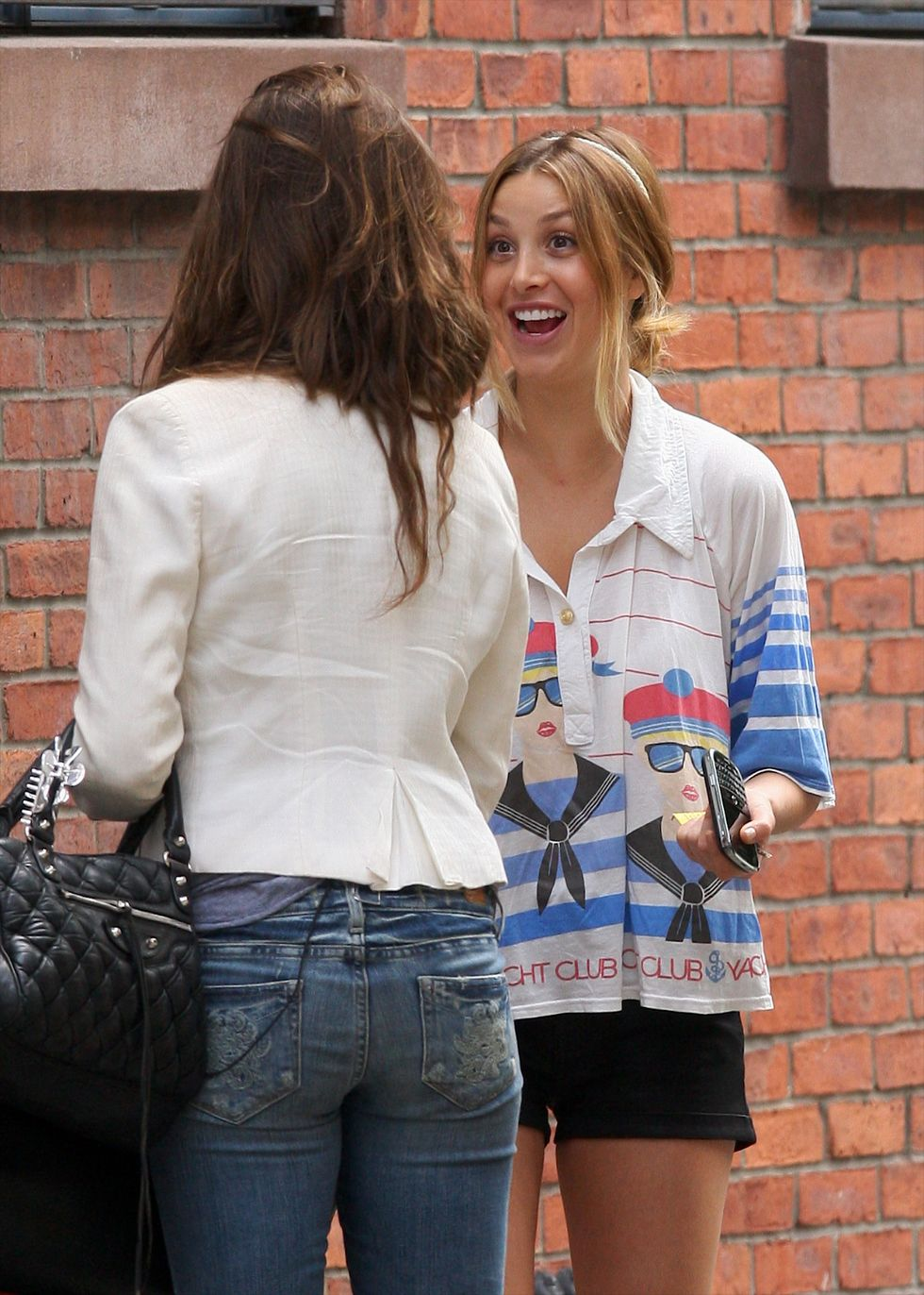 whitney-port-leggy-candids-in-new-york-01