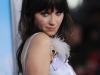zooey-deschanel-yes-man-premiere-in-los-angeles-02