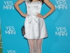 zooey-deschanel-yes-man-premiere-in-los-angeles-17